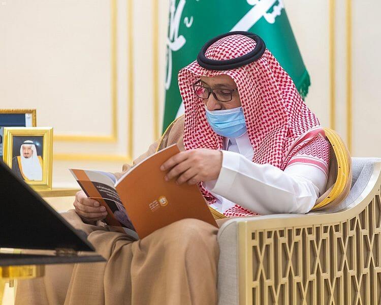 أمير الباحة يستقبل نائب رئيس المجلس وأعضاء الجمعية ويطلق مبادرة بيدينا